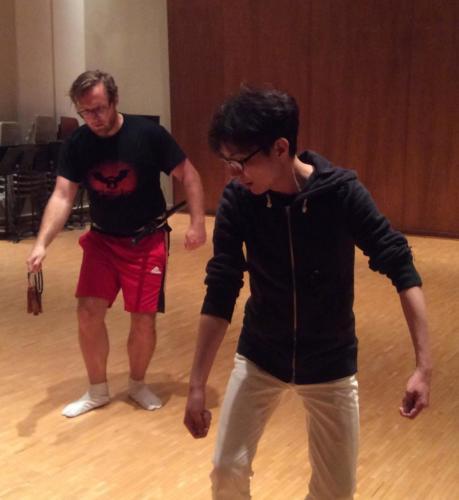 A UHM student copies Shigeyama Sennojō III's movements
